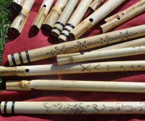 Indická alikvótní flétna střední