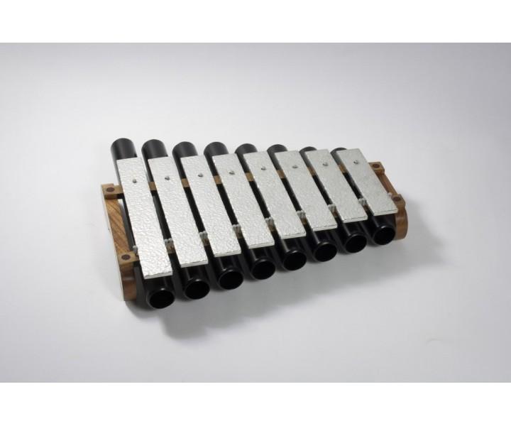 Metalofon menší s rezonátory pentatonický