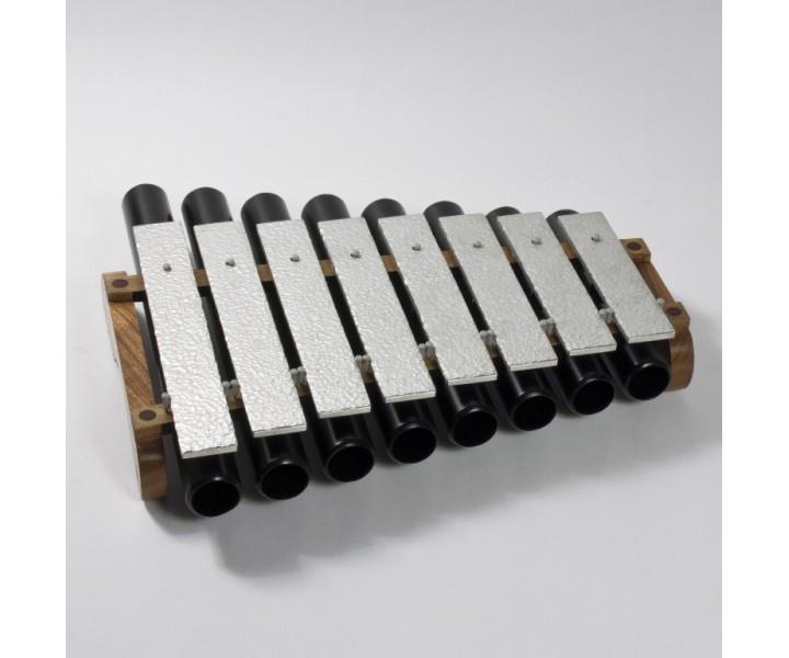 Metalofon větší s rezonátory pentatonický