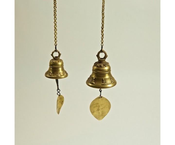 Závěsný zvoneček měnší