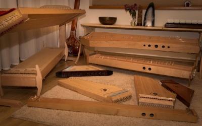 Kurzy hraní na nástroje