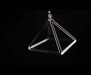 Pyramida 20 cm